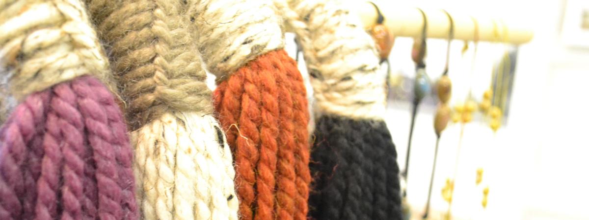 slider_scarves_2